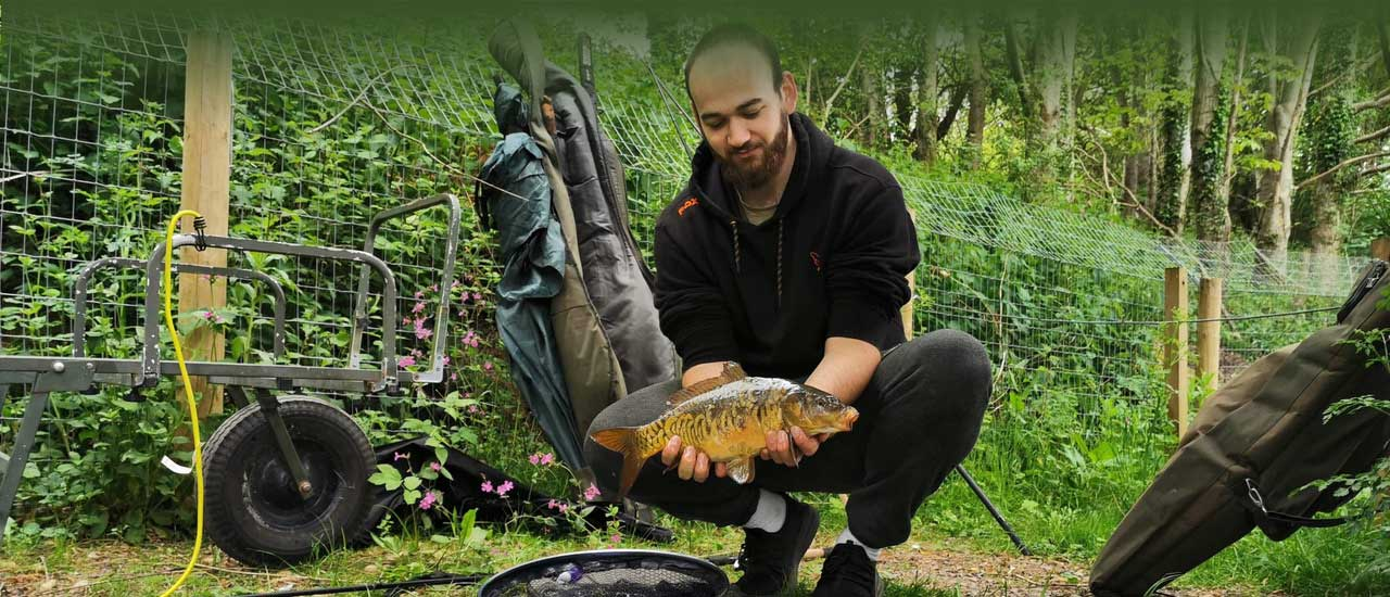 Camping and caravanning at Luccombes Fishery